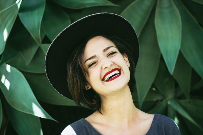 get beautiful smile after dental veneers
